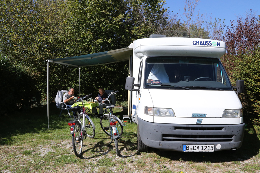 Emplacement Camping Car Avec Occupants (2)